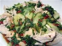 Салат с курицей, помидорами и огурцом