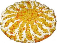 Салат слоеный из сельдерея, кукурузы и других овощей